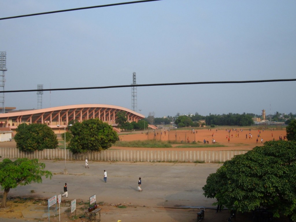 Le Stade de l'Amitié vu de l'auberge de l'Amitié