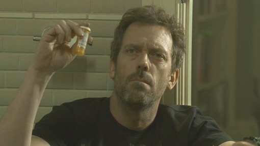 Dr House et son tube de Vicodin